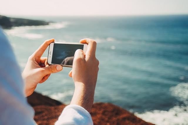 telefon s fotoaparátem