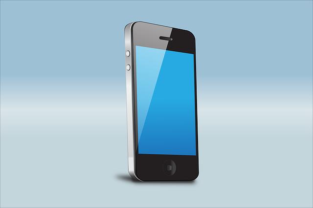 chytrý telefon na světle modrém pozadí, zapnutý